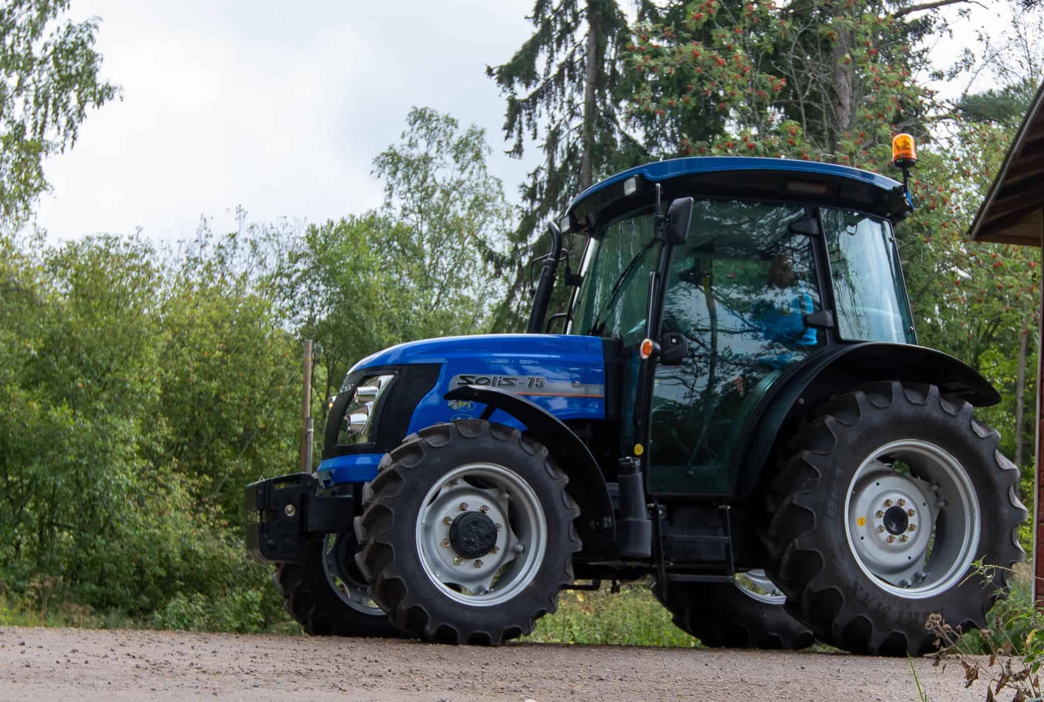 Solis75 traktori